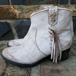 Very Volatile Ankle Booties Western Tassel 6.5